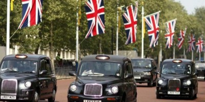 Black Cabs or Minicabs in London